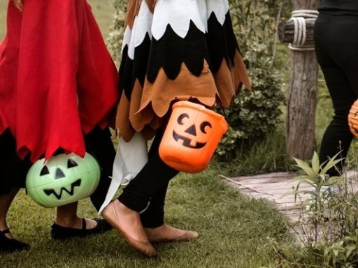 8 Halloween Costume Safety Tips